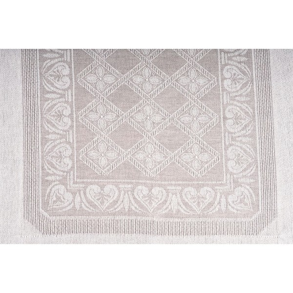 Linen Mixed Imperial Design Centerpiece
