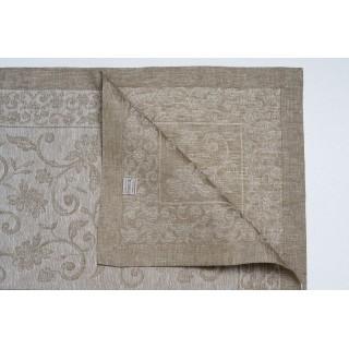 Centerpiece In Pure Linen...
